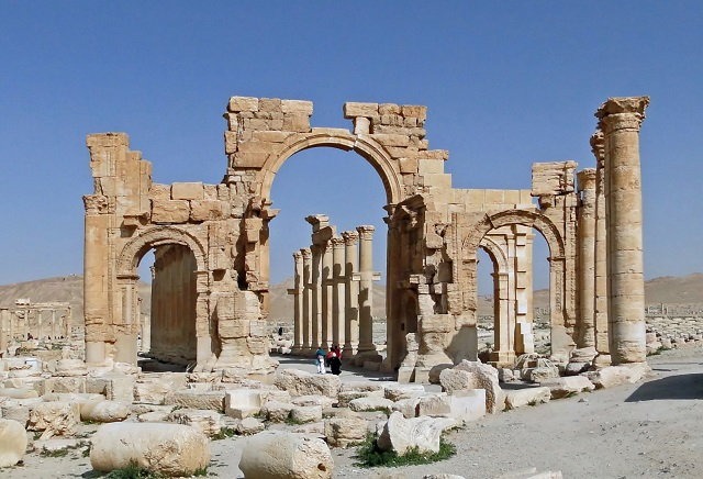 Arch of Triumph as it stood in Palmyra. Picture taken in 2010 by Bernard Gagnon